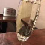 ワイン酒場COLTS - 樽生スパークリング