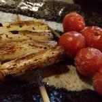寅心屋 - いかだ(ネギ)とトマト串