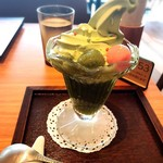 築地本願寺カフェ Tsumugi - 抹茶ゼリーソフト