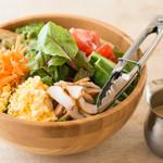 シェアーズ - 料理写真:コブサラダ