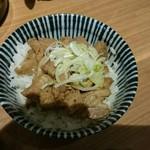 麺屋すみす半蔵門 - チャーシュー丼。