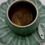 76222223 - 山海珍味の壺蒸しスープ