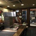 カレー屋SUN - 店内(入口側)