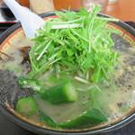 ラーメン ももち家 - 野菜ラーメン730円。生水菜・茹でモヤシ・メンマ・オクラ・キクラゲが入っています。