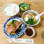 大衆割烹 三州屋 - 金目鯛煮付け定食:1,100円