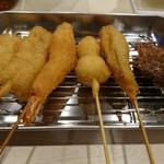 人形町串屋 あげとん - 左から牛、豚バラ、エビ、ウズラ、サンマ、タン(17-11)