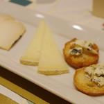 カタルーニャ厨房 カサマイヤ - チーズの盛り合わせ