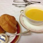 レストラン ブランヴェール - パン/スープ