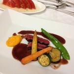 レストラン ブランヴェール - スライストマト/肉料理