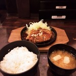 渋谷トンテキ - トンテキ+(ライス・味噌汁)