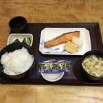 やえす初藤 - 朝食  焼鮭定食