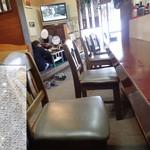 日の出食堂 - 店内