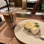 76244887 - Cafe latte(iced)、Cheese cake