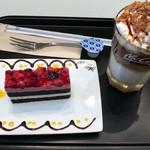マクドナルド - ダブルベリーケーキ&アイスクリームブリュレラテ