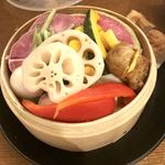 Kitchen kampo's - 農家さんのこだわり野菜盛り合わせと豆腐