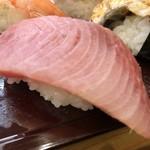 あかめ寿司 - 鰤