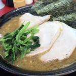 王道家 - 料理写真:チャーシュー麺 大盛 ¥900-
