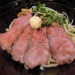 76257228 - ローストビーフ油そば・大盛(麺1.5玉 225g) 890円