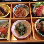 えびや - 料理写真:松花堂