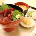 鉢鮪の鉄火丼