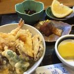 味正 - 料理写真:日替わりランチ(この日は天丼)650円