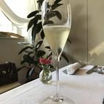 76261858 - スパークリングワイン