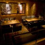 豚料理専門店 銀呈 - お店が見渡せる25・26番席は、4名席、6名席で合計10名が可能です。