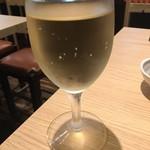 串もん酒場 - 次は白ワインだよー