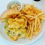 ムーンカフェ - MOON Cafe@本牧 カリフォルニア チーズ バーガー(1200円)