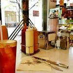 ムーンカフェ - MOON Cafe@本牧 店内