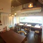 世界にひとつだけの焼きカレー プリンセスピピ門司港 - 【1F展望カフェ】関門海峡の景色が望めます。