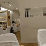 24/7 café apartment -