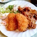 プレ・サレ - プレ・サレ@神栖 セット定食 クリームコロッケとしょうが焼きのアップ