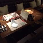 イタリアン&グリル アクア イルフォルノ - ふかふかのソファー'椅子の人気席。