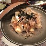 お食事処 安楽喜 - 豆腐チーズ 火を入れた後