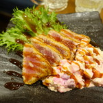 釜飯と炭と酒 やま蔵 - マグロレアカツ ~タルタルソース~