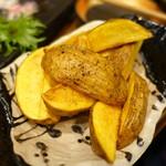 釜飯と炭と酒 やま蔵 - インカの目覚め フライドポテト