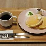 パンケーキ ルーム - クラシックパンケーキ&ホット珈琲1,200円