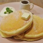パンケーキ ルーム - クラシックパンケーキ950円