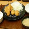 とんから亭 - 料理写真:かき&上海老のミックスフライ定食¥849