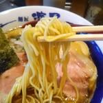 76277659 - シャッキリストレートな丸麺♪