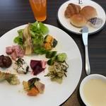 大沼鶴雅オーベルジュ エプイ - 料理写真:自作の前菜盛り合わせ
