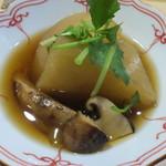 鮨 まつ本 - 料理写真:聖護院かぶと松茸