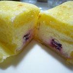 シェリール - 【2010.12.29】クレープの中にはチェリーとレアチーズのクリームがたっぷり♪