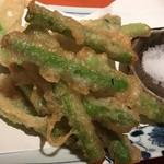 蕎麦 酒肴 京鴨 椿 - アスパラガス天ぷら