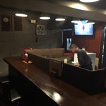 蕎麦 酒肴 京鴨 椿 - 厨房とカウンター席