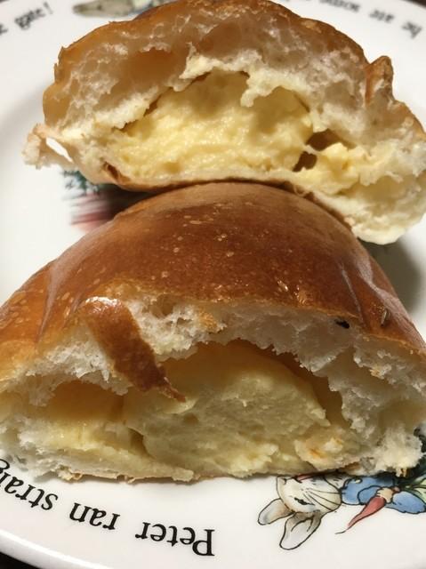 ブーランジェリー マナベ - 種子島産の自家製粗糖クリームパン 断面