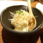 マスカクラブ - お通しの豆腐、とろろ