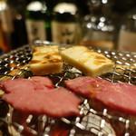 マスカクラブ - さいぼし(馬燻製)と蕎麦生麩