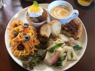 ドルチェ ファール ニエンテ - 鎌倉野菜のランチプレート